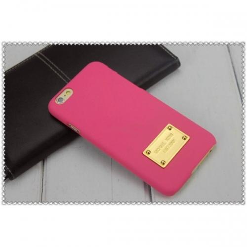 Пластиковый Чехол-накладка софттач Michael Kors для iPhone 6 Розовый