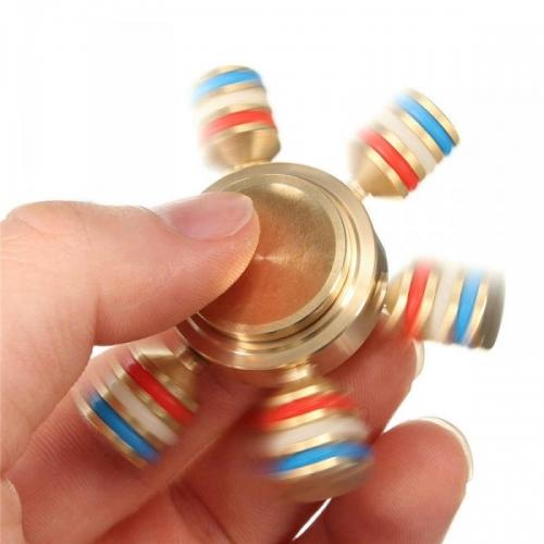 Spinner Спиннер металлический шестиконечный Радуга